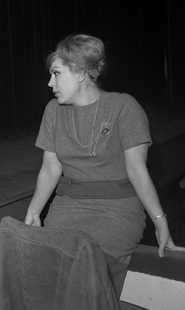 Jane Rhodes